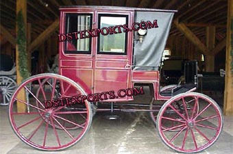 Royal Antique Covered Horse Carriage