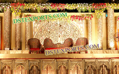 Latest Asian Wedding Gold Stage