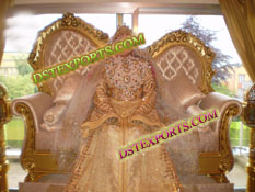 ASIAN WEDDING GOLDEN LOVE SEATER