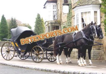 HORSE DRAWN CARRIAGE VICTORIA